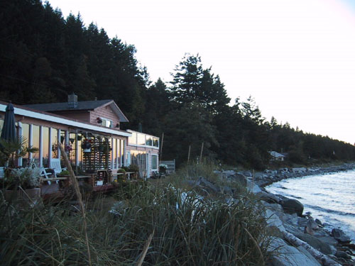 A quiet evening at our Comox Oceanfront bed and breakfast